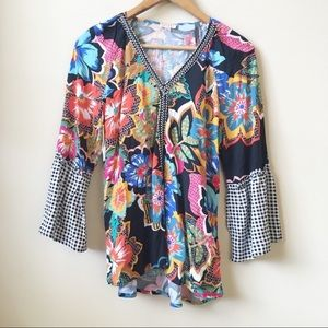 Spense floral embroidered bell sleeve blouse small